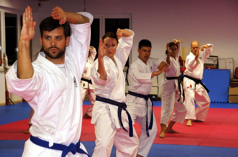 กีฬาคาราเต้ ศิลปะการต่อสู้ด้วยมือเปล่าในระยะใกล้ที่ได้รับความนิยมไปทั่วโลก